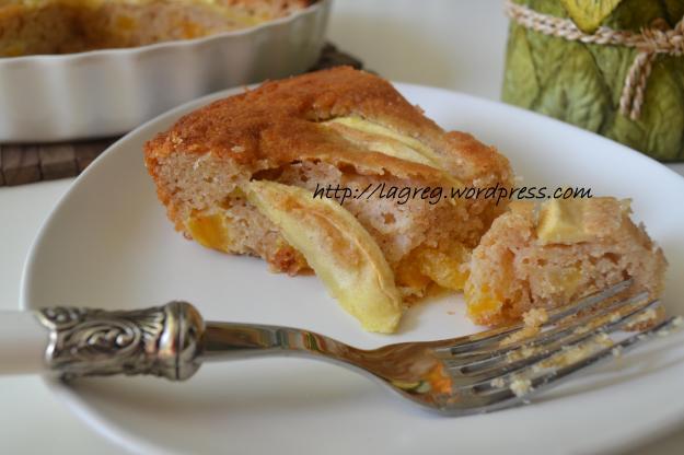 torta yogurt mele e albicocche secche 010