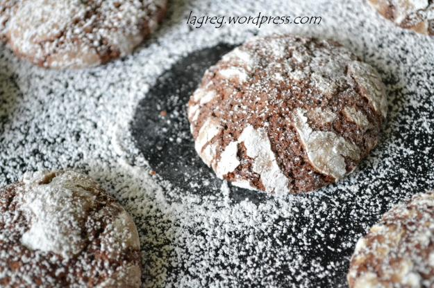 cocoa crinkle cookies 028
