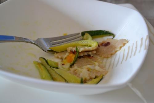 maltagliati integrali alle zucchine ed i loro fiori, pistacchi e caciocavallo