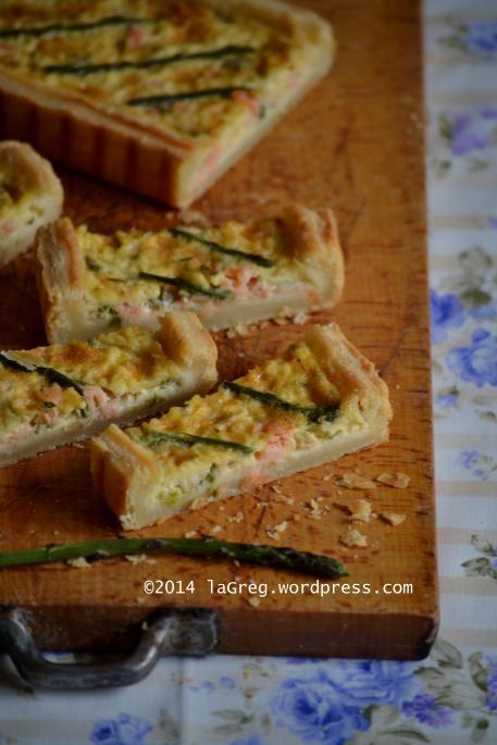 sfoglia alla ricotta con salmone e asparagi selvatici