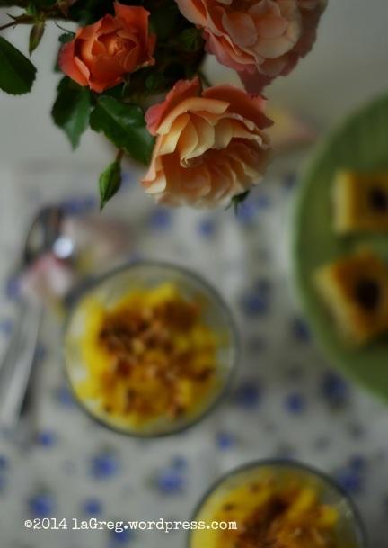 yogurt greco, mango e mandorle 2