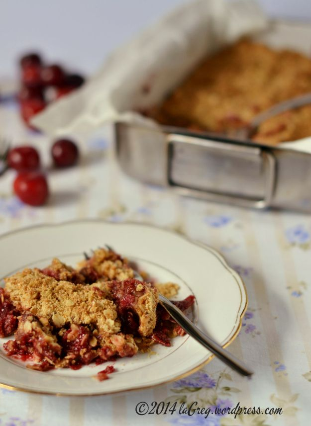 plum and oat crumble 3